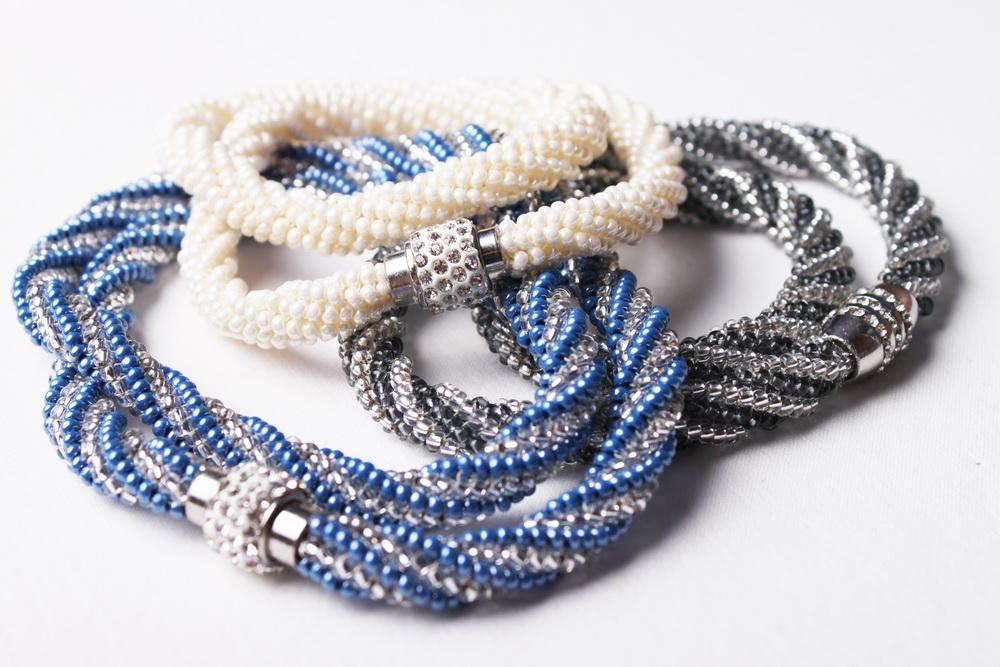 Návod na šitý náhrdelník herringbone